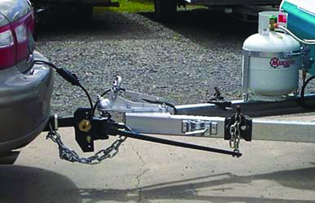 Weight-distributing hitch